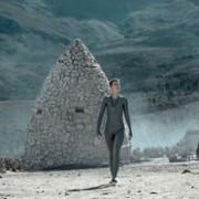 Amanda Collin - galeria zdjęć - Zdjęcie nr. 22 z filmu: Wychowane przez wilki