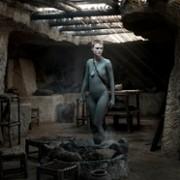 Amanda Collin - galeria zdjęć - Zdjęcie nr. 23 z filmu: Wychowane przez wilki