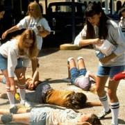Michelle Burke - galeria zdjęć - Zdjęcie nr. 5 z filmu: Uczniowska balanga