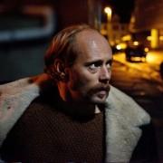 Aksel Hennie - galeria zdjęć - Zdjęcie nr. 8 z filmu: Pod dnem