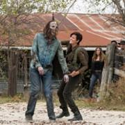 Alycia Debnam-Carey - galeria zdjęć - Zdjęcie nr. 32 z filmu: Fear the Walking Dead