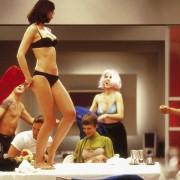 Mehmet Kurtulus - galeria zdjęć - Zdjęcie nr. 8 z filmu: Nadzy