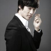 Jeon Jun-Hong - galeria zdjęć - filmweb