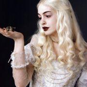 Anne Hathaway - galeria zdjęć - Zdjęcie nr. 4 z filmu: Alicja w Krainie Czarów