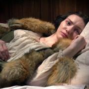 Eleanor Tomlinson - galeria zdjęć - Zdjęcie nr. 1 z filmu: Biała królowa
