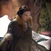 Eleanor Tomlinson - galeria zdjęć - Zdjęcie nr. 2 z filmu: Biała królowa
