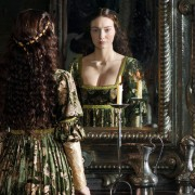 Eleanor Tomlinson - galeria zdjęć - Zdjęcie nr. 8 z filmu: Biała królowa