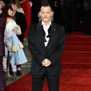 Johnny Depp - galeria zdjęć - Zdjęcie nr. 2 z filmu: Morderstwo w Orient Expressie