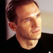 Ralph Fiennes - galeria zdjęć - Zdjęcie nr. 1 z filmu: Rewolta