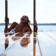 Christine Bently - galeria zdjęć - filmweb