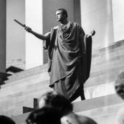 Marlon Brando - galeria zdjęć - Zdjęcie nr. 10 z filmu: Juliusz Cezar