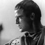 Marlon Brando - galeria zdjęć - Zdjęcie nr. 18 z filmu: Juliusz Cezar
