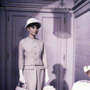 Audrey Hepburn - galeria zdjęć - Zdjęcie nr. 9 z filmu: Kiedy Paryż wrze