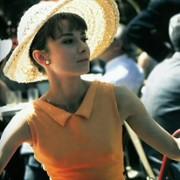 Audrey Hepburn - galeria zdjęć - Zdjęcie nr. 13 z filmu: Kiedy Paryż wrze