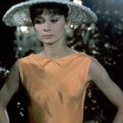 Audrey Hepburn - galeria zdjęć - Zdjęcie nr. 15 z filmu: Kiedy Paryż wrze