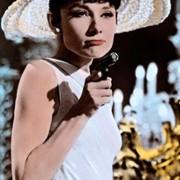 Audrey Hepburn - galeria zdjęć - Zdjęcie nr. 21 z filmu: Kiedy Paryż wrze