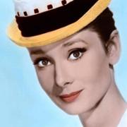 Audrey Hepburn - galeria zdjęć - Zdjęcie nr. 24 z filmu: Kiedy Paryż wrze