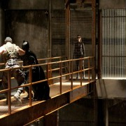 Christian Bale - galeria zdjęć - Zdjęcie nr. 17 z filmu: Mroczny Rycerz powstaje