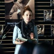 Julianne Moore - galeria zdjęć - Zdjęcie nr. 1 z filmu: Plan Maggie
