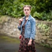 Amy James-Kelly - galeria zdjęć - Zdjęcie nr. 1 z filmu: Safe