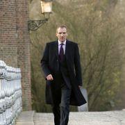 Ralph Fiennes - galeria zdjęć - Zdjęcie nr. 4 z filmu: Najpierw strzelaj, potem zwiedzaj