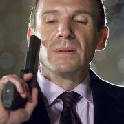 Ralph Fiennes - galeria zdjęć - Zdjęcie nr. 13 z filmu: Najpierw strzelaj, potem zwiedzaj