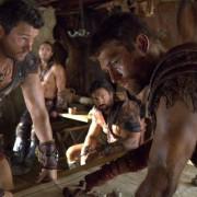 Dustin Clare - galeria zdjęć - Zdjęcie nr. 3 z filmu: Spartakus: Wojna potępionych