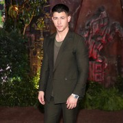 Nick Jonas - galeria zdjęć - Zdjęcie nr. 7 z filmu: Jumanji: Przygoda w dżungli