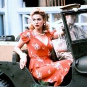 Poppy Montgomery - galeria zdjęć - Zdjęcie nr. 1 z filmu: Życie