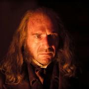 Ralph Fiennes - galeria zdjęć - Zdjęcie nr. 1 z filmu: Wielkie nadzieje