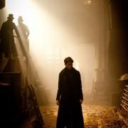 Jeremy Irvine - galeria zdjęć - Zdjęcie nr. 24 z filmu: Wielkie nadzieje