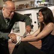 Bruce Willis - galeria zdjęć - Zdjęcie nr. 2 z filmu: Przetrwać do świtu