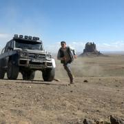 Jeremy Irvine - galeria zdjęć - Zdjęcie nr. 4 z filmu: Pojedynek na pustyni