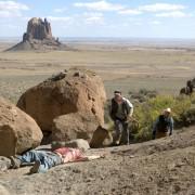 Jeremy Irvine - galeria zdjęć - Zdjęcie nr. 7 z filmu: Pojedynek na pustyni
