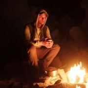 Jeremy Irvine - galeria zdjęć - Zdjęcie nr. 21 z filmu: Pojedynek na pustyni