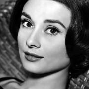 Audrey Hepburn - galeria zdjęć - Zdjęcie nr. 21 z filmu: Miłość po południu