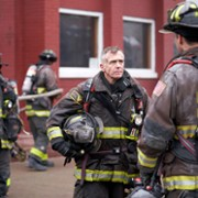 Yuri Sardarov - galeria zdjęć - Zdjęcie nr. 21 z filmu: Chicago Fire