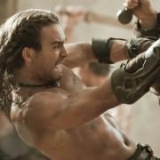 Dustin Clare - galeria zdjęć - Zdjęcie nr. 2 z filmu: Spartakus: Bogowie areny