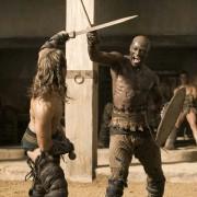 Dustin Clare - galeria zdjęć - Zdjęcie nr. 3 z filmu: Spartakus: Bogowie areny