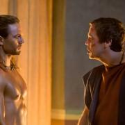 Dustin Clare - galeria zdjęć - Zdjęcie nr. 11 z filmu: Spartakus: Bogowie areny