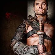 Dustin Clare - galeria zdjęć - Zdjęcie nr. 17 z filmu: Spartakus: Bogowie areny