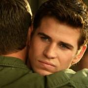 Liam Hemsworth - galeria zdjęć - Zdjęcie nr. 2 z filmu: Miłość i honor