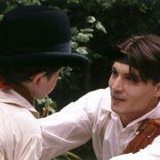 Johnny Depp - galeria zdjęć - Zdjęcie nr. 20 z filmu: Marzyciel