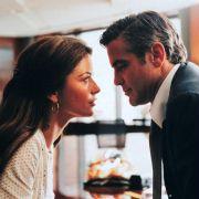 George Clooney - galeria zdjęć - Zdjęcie nr. 15 z filmu: Okrucieństwo nie do przyjęcia