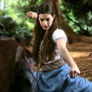 Anne Hathaway - galeria zdjęć - Zdjęcie nr. 11 z filmu: Ella zaklęta