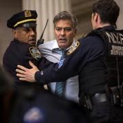 George Clooney - galeria zdjęć - Zdjęcie nr. 2 z filmu: Zakładnik z Wall Street