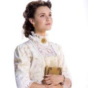 Poppy Drayton - galeria zdjęć - Zdjęcie nr. 9 z filmu: When Calls the Heart