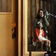 Julianne Moore - galeria zdjęć - Zdjęcie nr. 4 z filmu: O czym wiedziała Maisie
