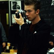 Elias McConnell - galeria zdjęć - filmweb