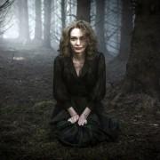 Eleanor Tomlinson - galeria zdjęć - Zdjęcie nr. 14 z filmu: Próba niewinności